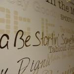 Wand mit Songtitel